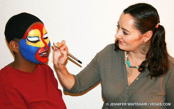 Lion_King_Face_Painting http://blog.vegas.com/las-vegas-shows/vegas-puts-its-face-on-3762/