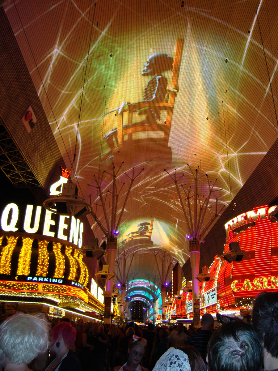 Vegas celebrates Halloween with haunted attractions and freakish ...
