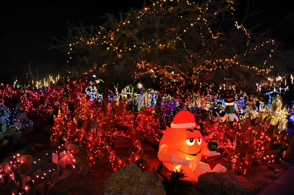 Tis The Season Desert Transforms Into A Winter Wonderland During Holidays In Vegas Las Vegas