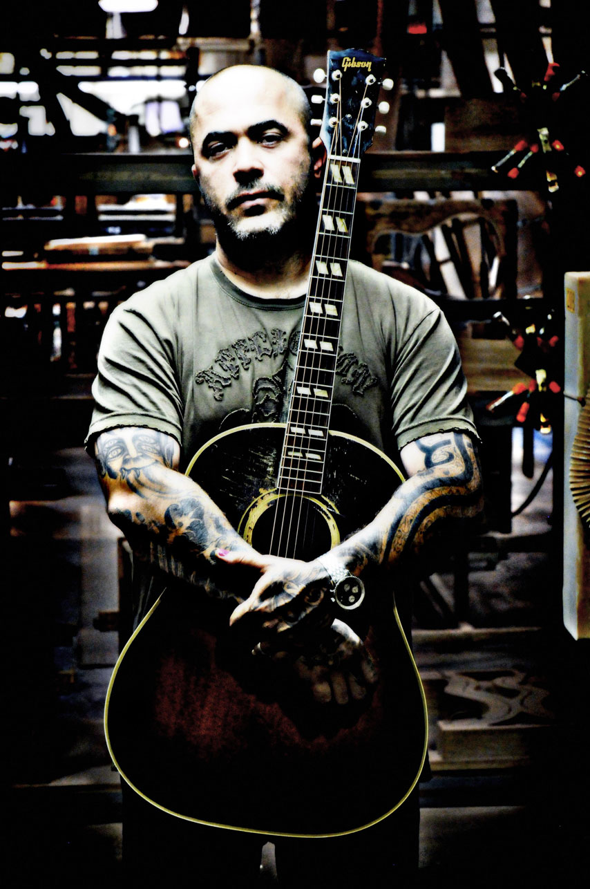 STAIND frontman Aaron Lewis talks about his new album and ...
