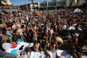 Get to Las Vegas early on Friday to take advantage of the warm weather and Ditch Fridays at the Palms.