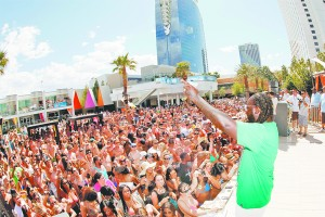 Rapper T-Pain performed for the crowd May 13 at the weekly pool party Ditch Fridays at the Palms. Photo by Joe Fury/N9NE Group.