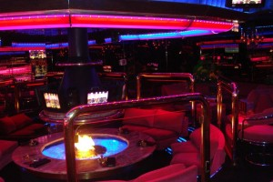 The Peppermill's lounge is the very definition of Vegas cool.