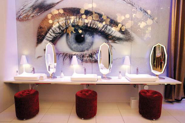 The women's restaurant in Vanity at the Hard Rock Hotel is like a spa, complete with helpful attendants to help you look your best. (Photo courtesy of the Las Vegas Sun/Leila Navidi)