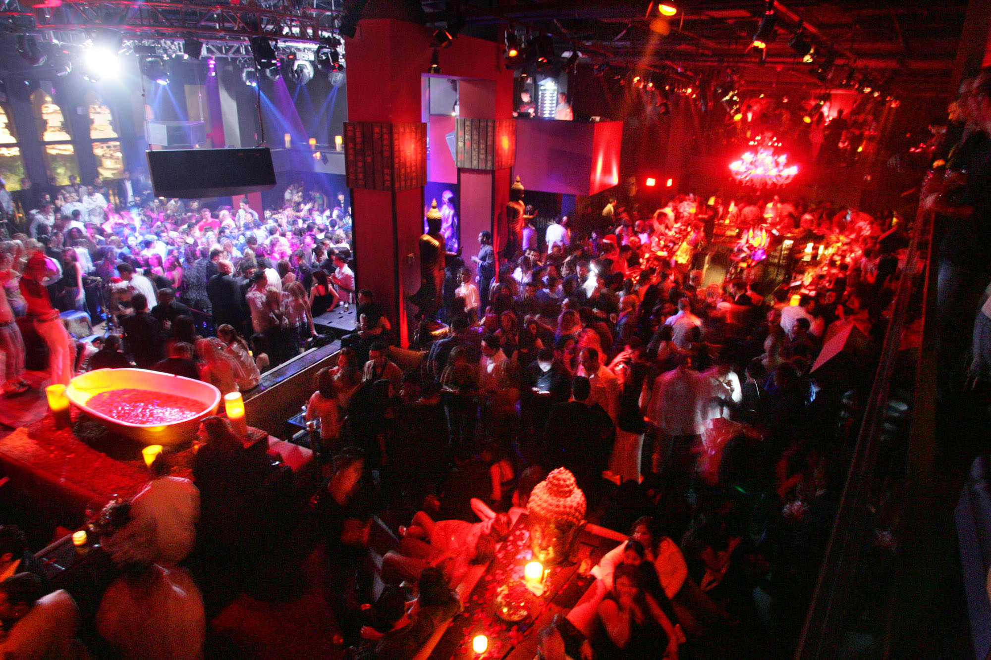 Magnificent Club Tao Las Vegas 2000 x 1333 · 586 kB · jpeg
