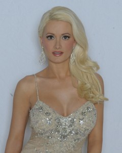 Holly Madison will be making an appearance at Gallery.