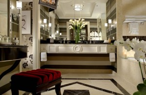 The orante bathroom in the Prestige Luxury Suite at The Palazzo