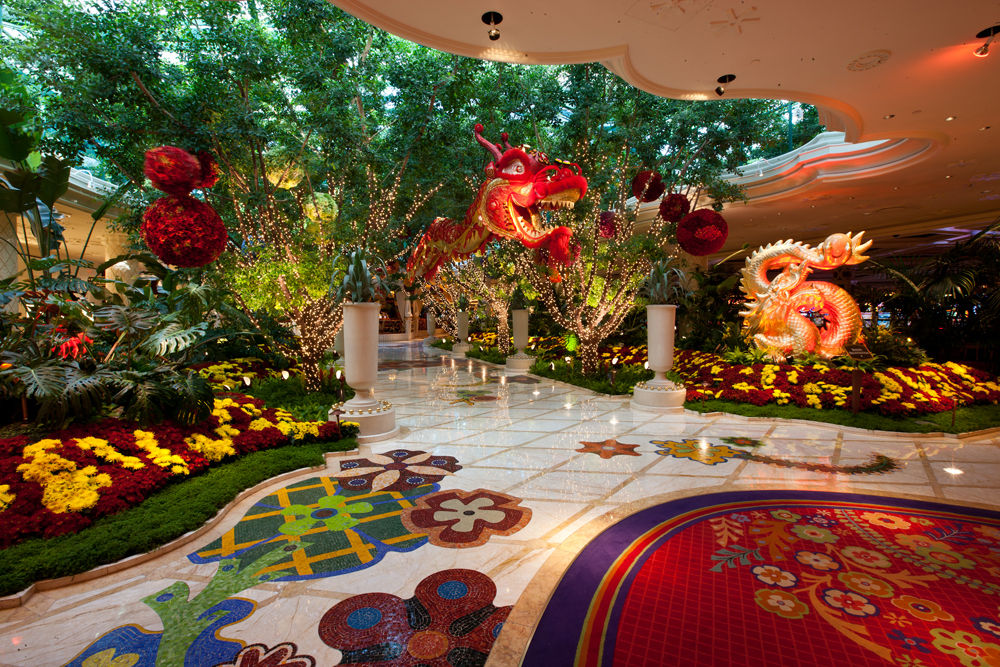 Gung hay fat choy celebrate chinese new year vegas style for Koi pond wynn