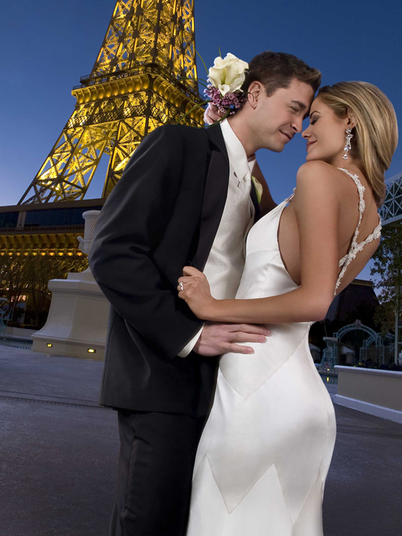 In vegas there39s a wedding for everyone las vegas blogs for Paris las vegas wedding