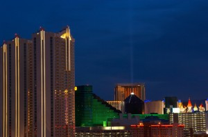 Vegas hotels at night (photos.com)