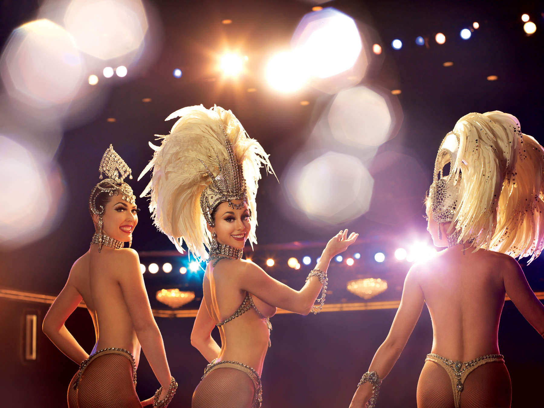 Jubilee_3ShowgirlsLights-blog.jpg (1800×1352)