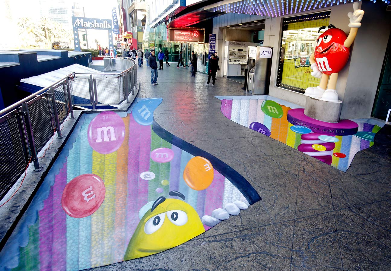 M&M takes to the streets with wall in Las Vegas | Las Vegas Blogs