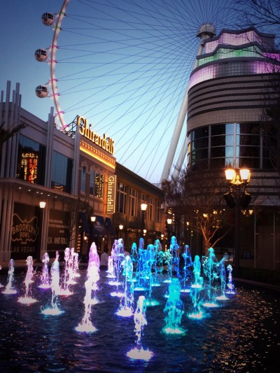 The High Roller and fountains at the Linq by Jennifer Whitehair / Vegas.com.