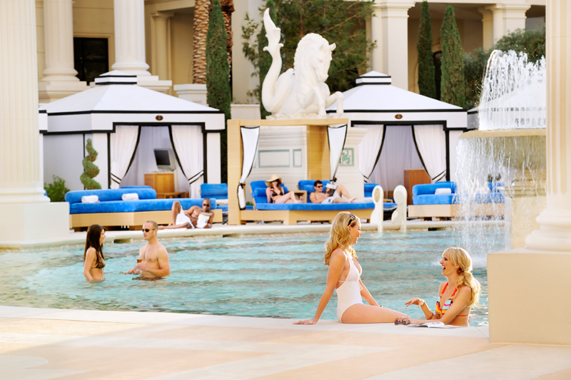Beat the heat this summer at las vegas 39 hotel pools las for Caesars swimming pool