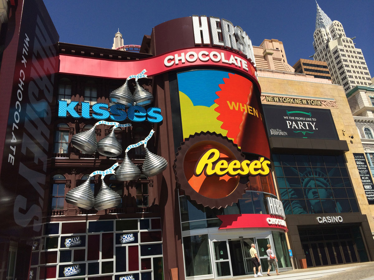 Las Vegas Strip sugar rush: Hershey's Chocolate World opens | Las ...