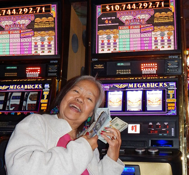 Slot machine grand jackpot winner