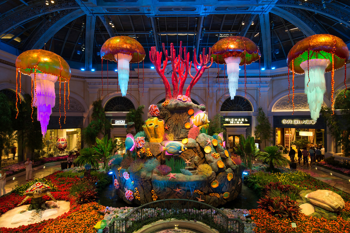 bellagio conservatory brings underwater life to the strip. Black Bedroom Furniture Sets. Home Design Ideas