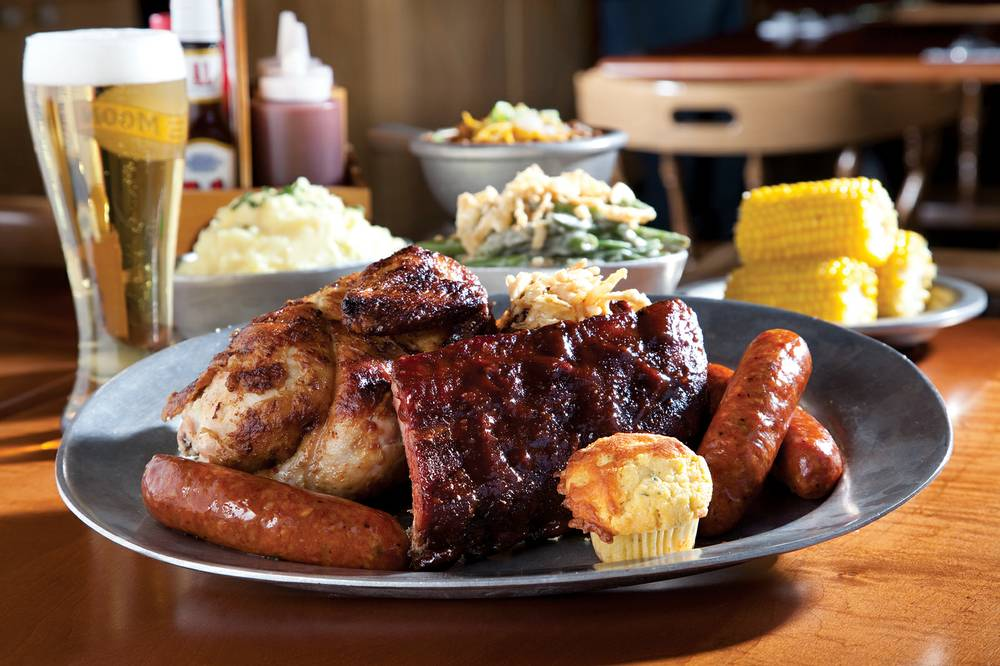 Gilley's 10-Gallon Platter, photo by Beverly Poppe, courtesy of Las Vegas Weekly