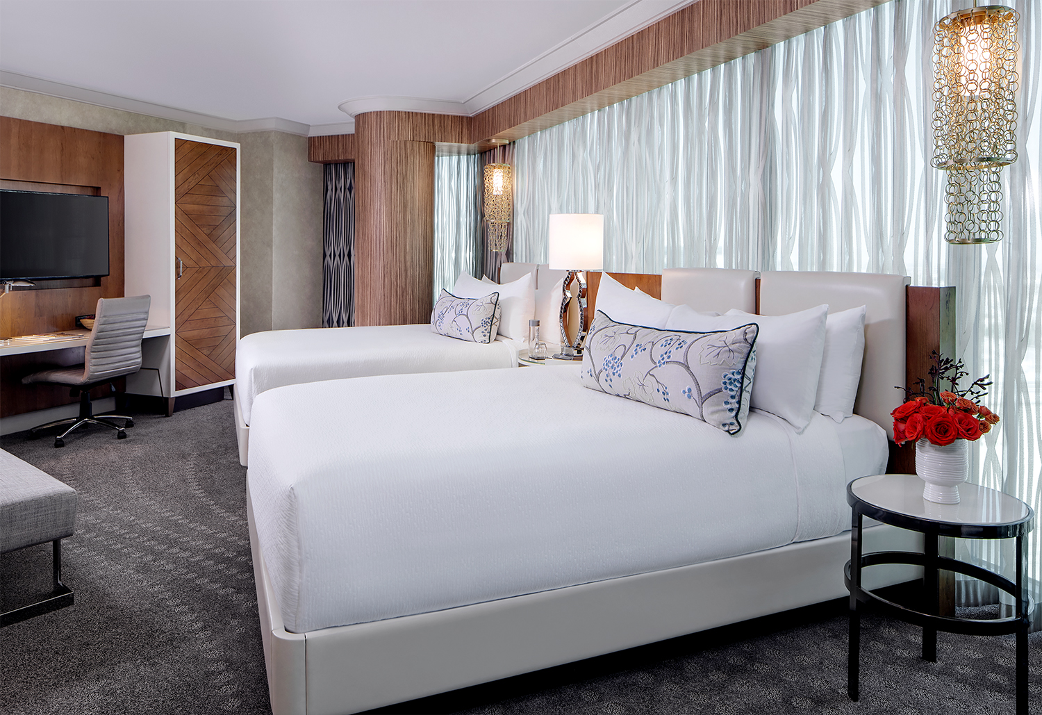 Las Vegas Hotels With 2 Bedroom Suites Mandalay Bays Remodeled Hotel Rooms Give A Beach Vibe Year Round