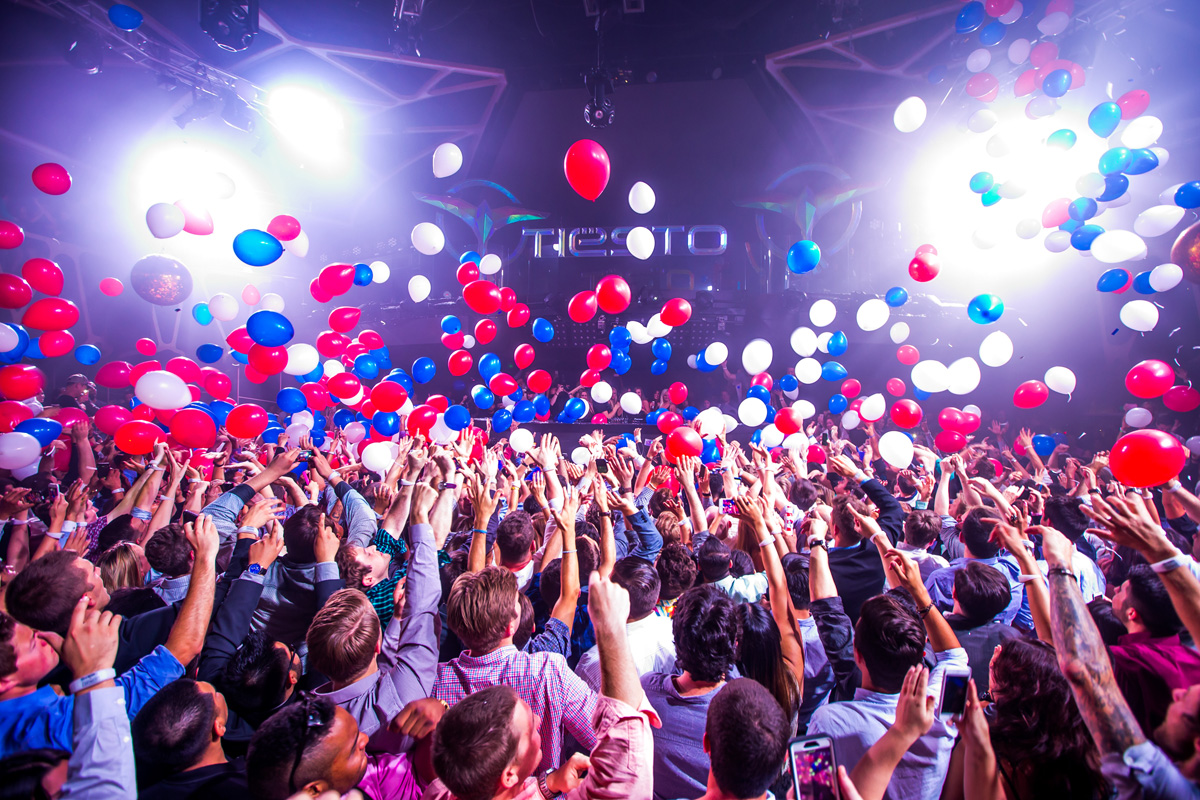 We hope they drop more balloons. Photo courtesy of Hakkasan.