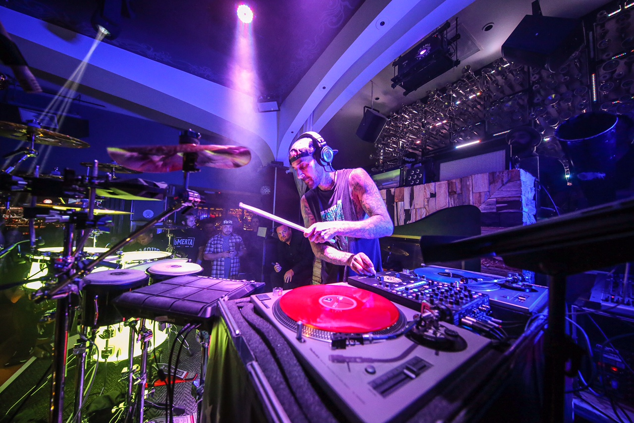 Travis Barker showing why the drummer deserves some. Photo courtesy of Hyde Bellagio.