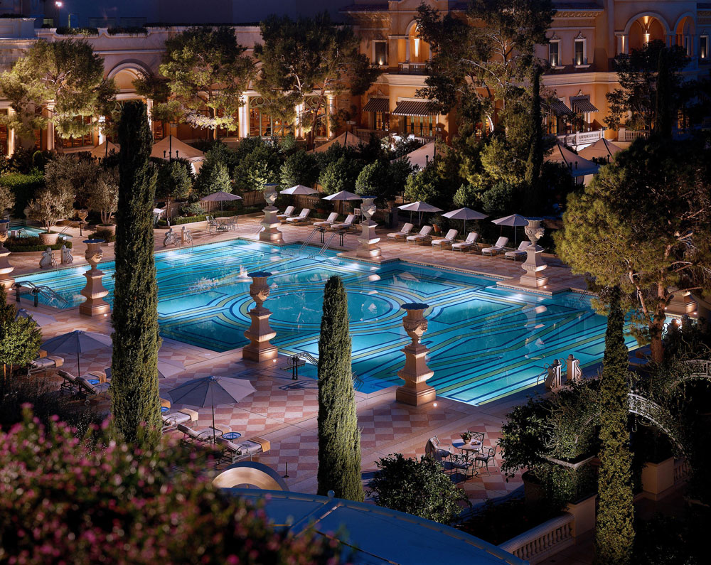 Spots to enjoy a vegas pool experience year round las for Pool spa show vegas 2015
