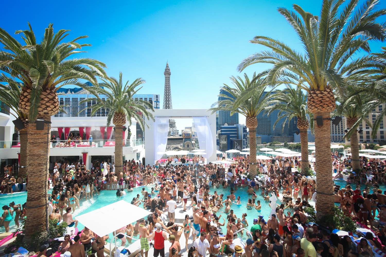 Drai's Beach Club, one of the places you should get to before the season is over. Photo courtesy of Drai's Beach Club.