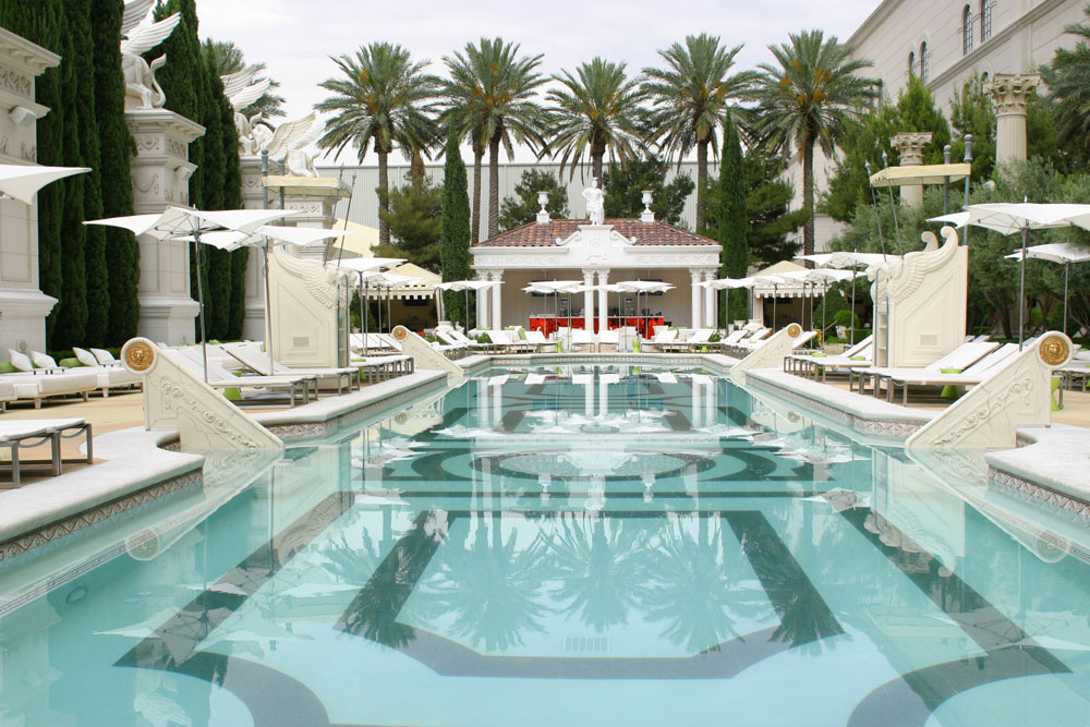 venus-pool-club-caesars-palace