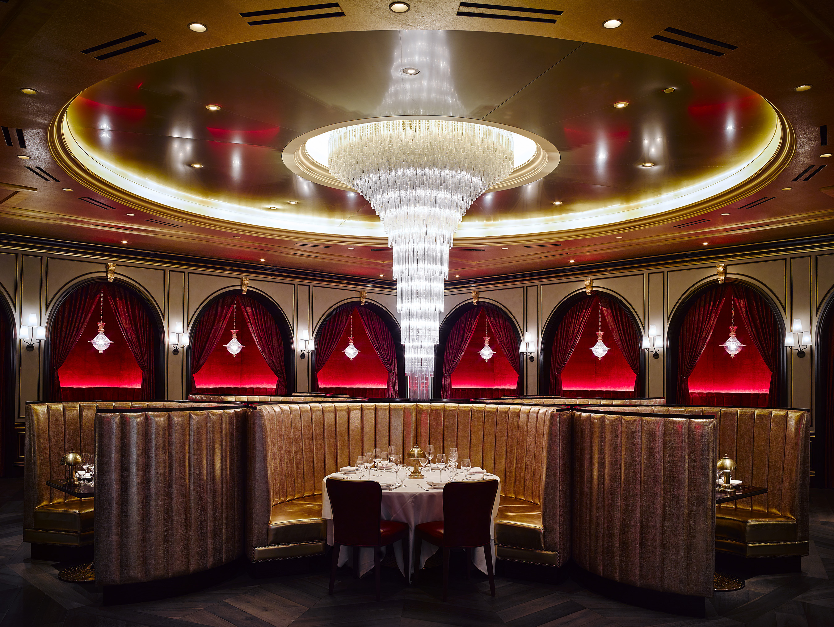 Carbone restaurant brings sexy swanky italian style to for Dining room tables las vegas