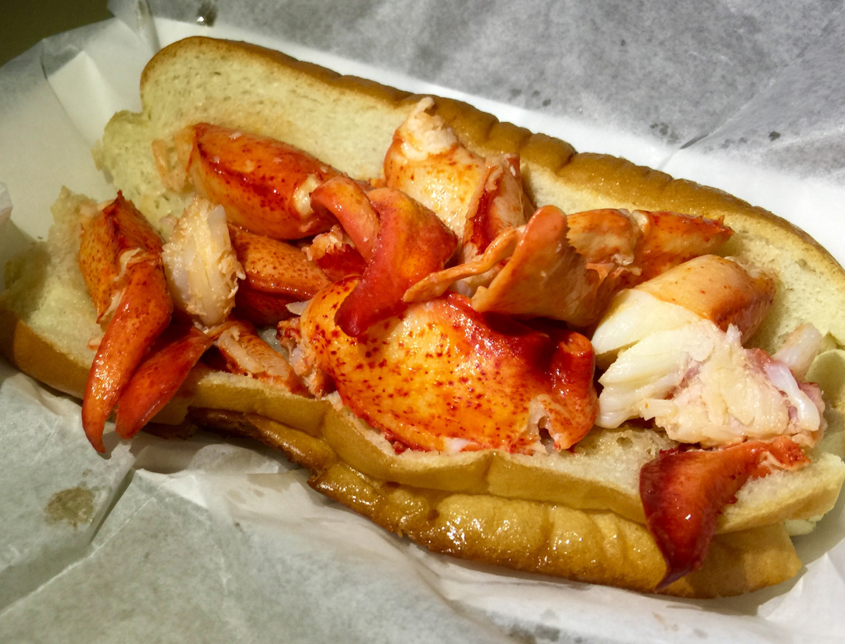 Connecticut lobster roll, photo by Ashley Oñoz-Wright.