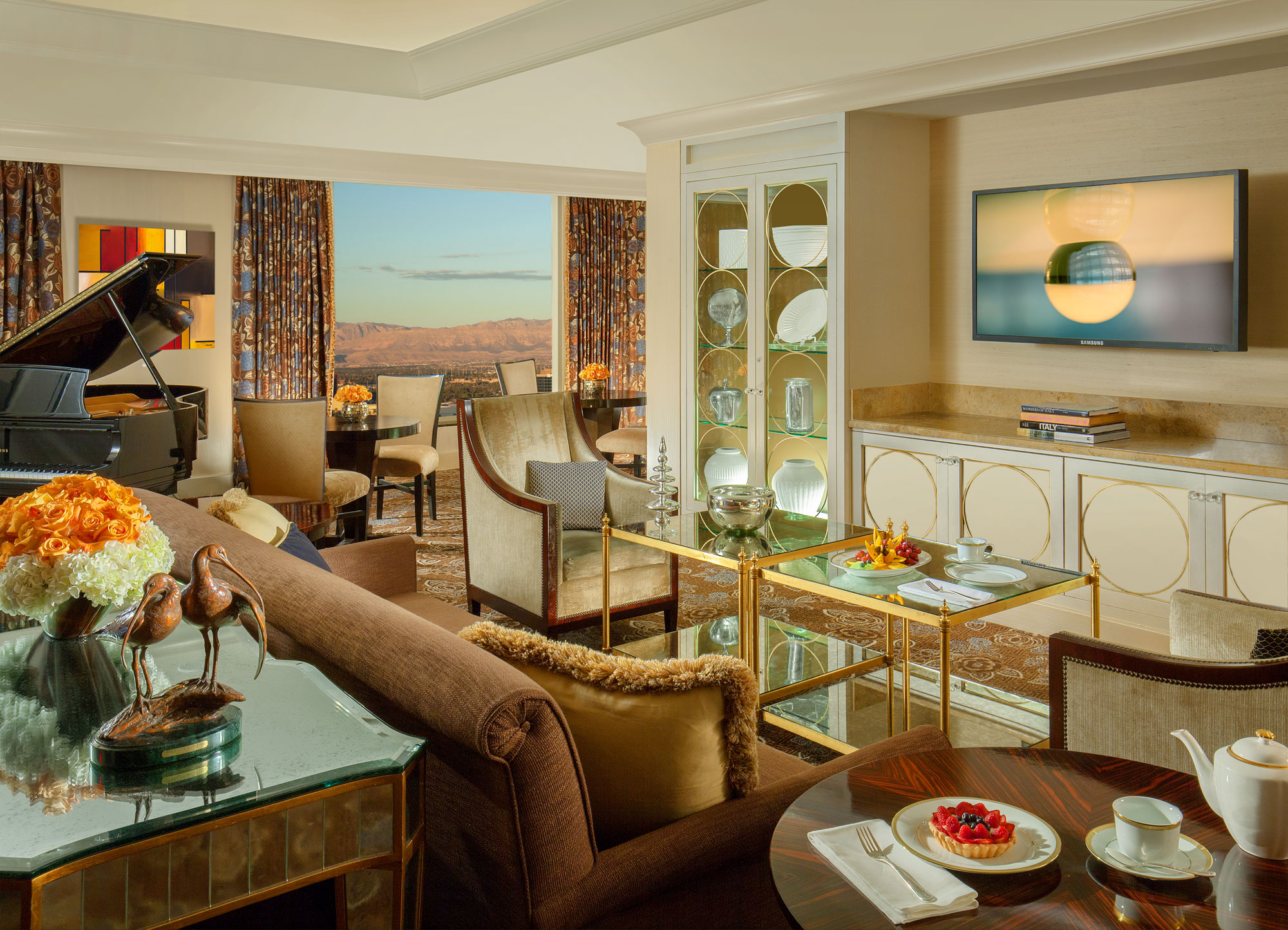 What S In Your Room Our List Of The Best Vegas Hotel Room Amenities