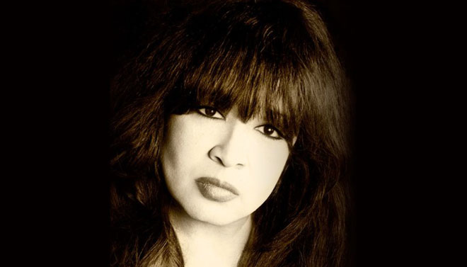 Ronnie Spector will sing Christmas classics in her holiday show, photo courtesy of Vegas.com