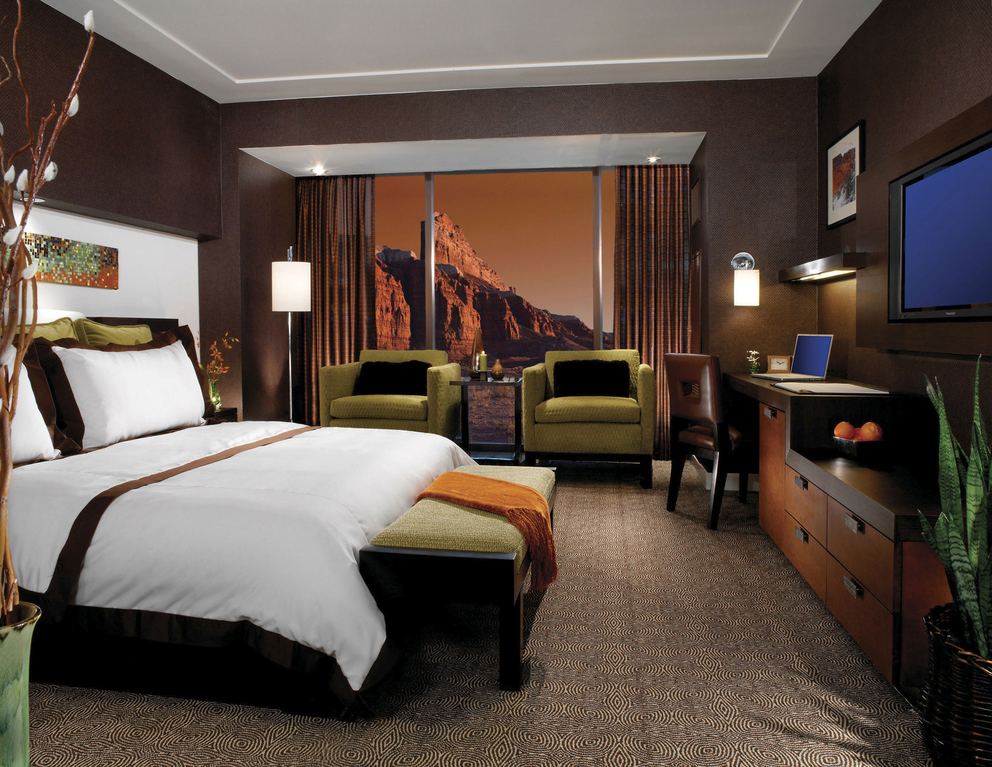 the best vegas rooms with a view las vegas blogs. Black Bedroom Furniture Sets. Home Design Ideas