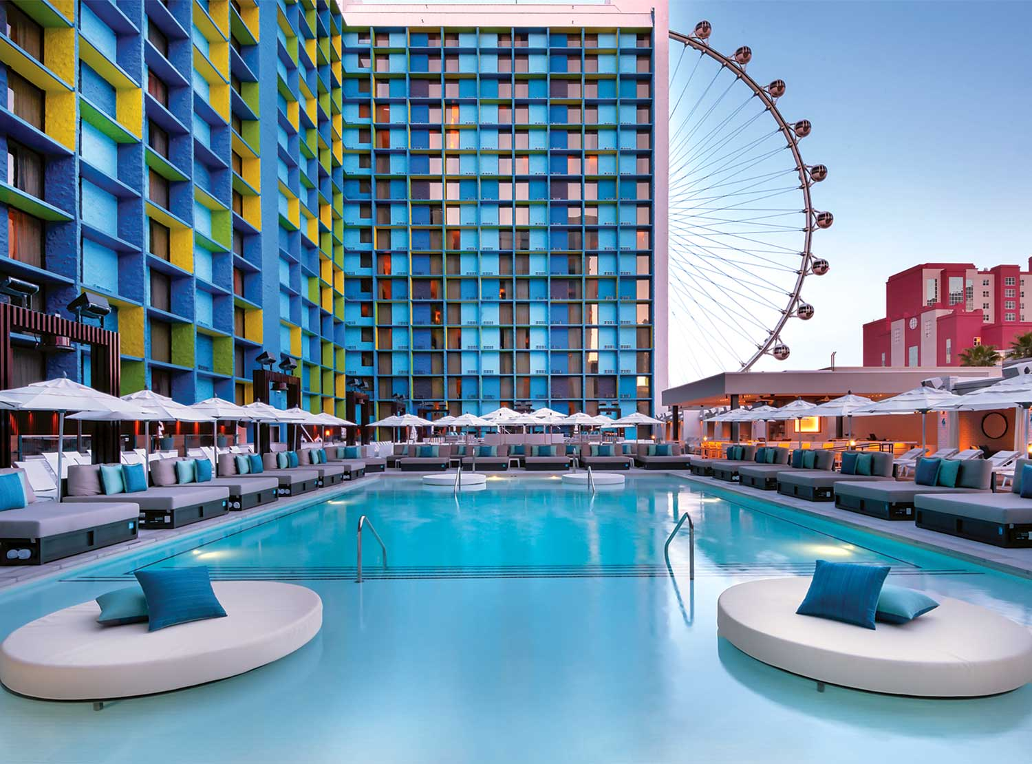 Las-Vegas-The-Ling-Hotel-Pool