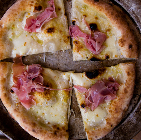 White pizza with fior de latte and proscuitto, courtesy of Feeling Foodish.