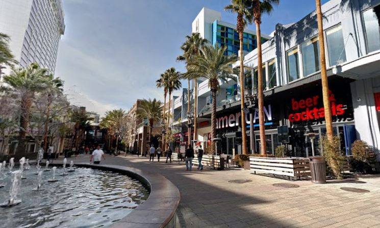 Another lovely day at the LINQ Promenade. Photo courtesy of Google Street View.
