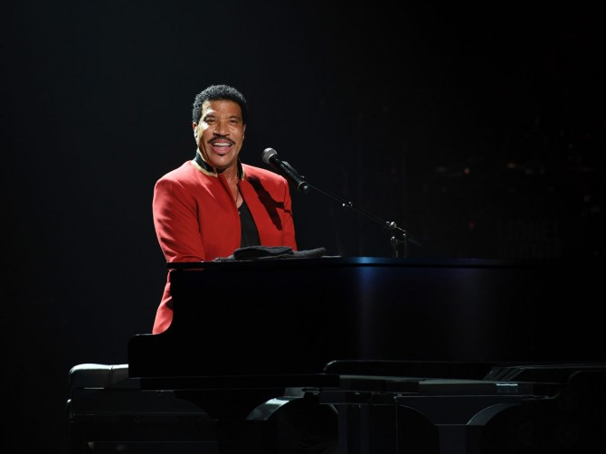 Lionel Richie spans the generations