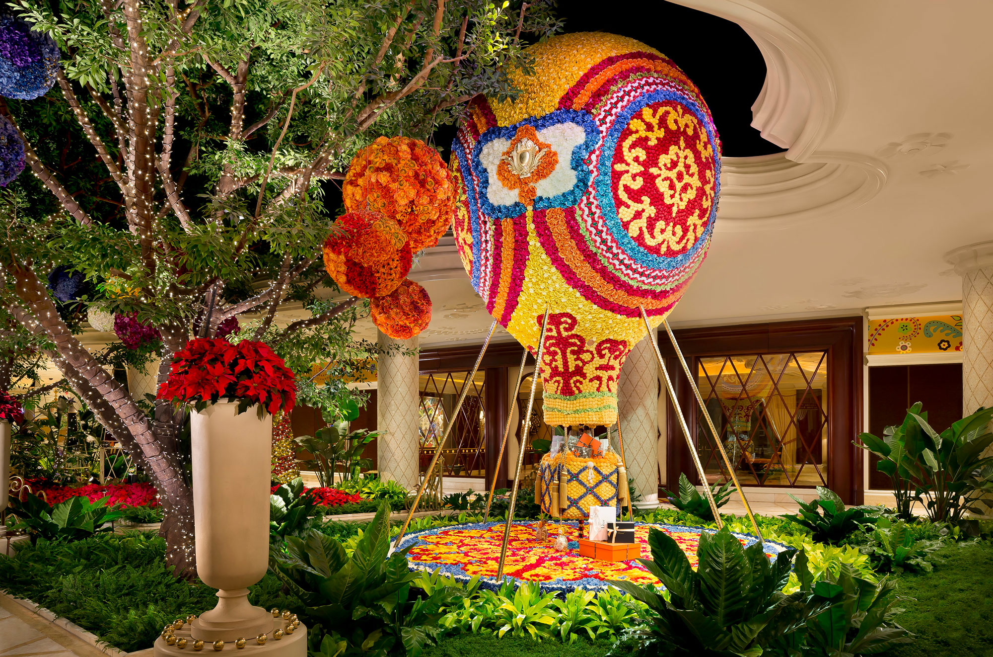 Hot Flower Garden : Our favorite vegas hotel lobbies las s